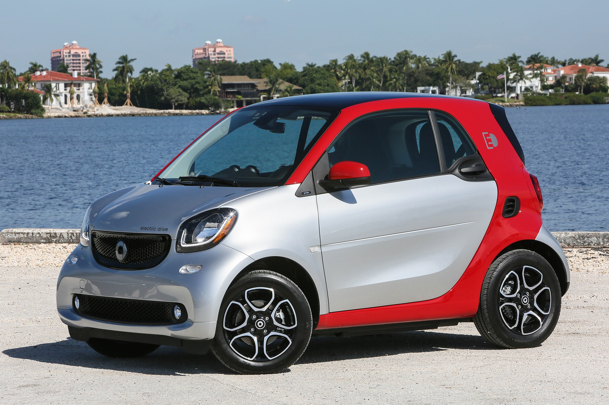 2017 smart fortwo ed first drive review automobile magazine. Black Bedroom Furniture Sets. Home Design Ideas