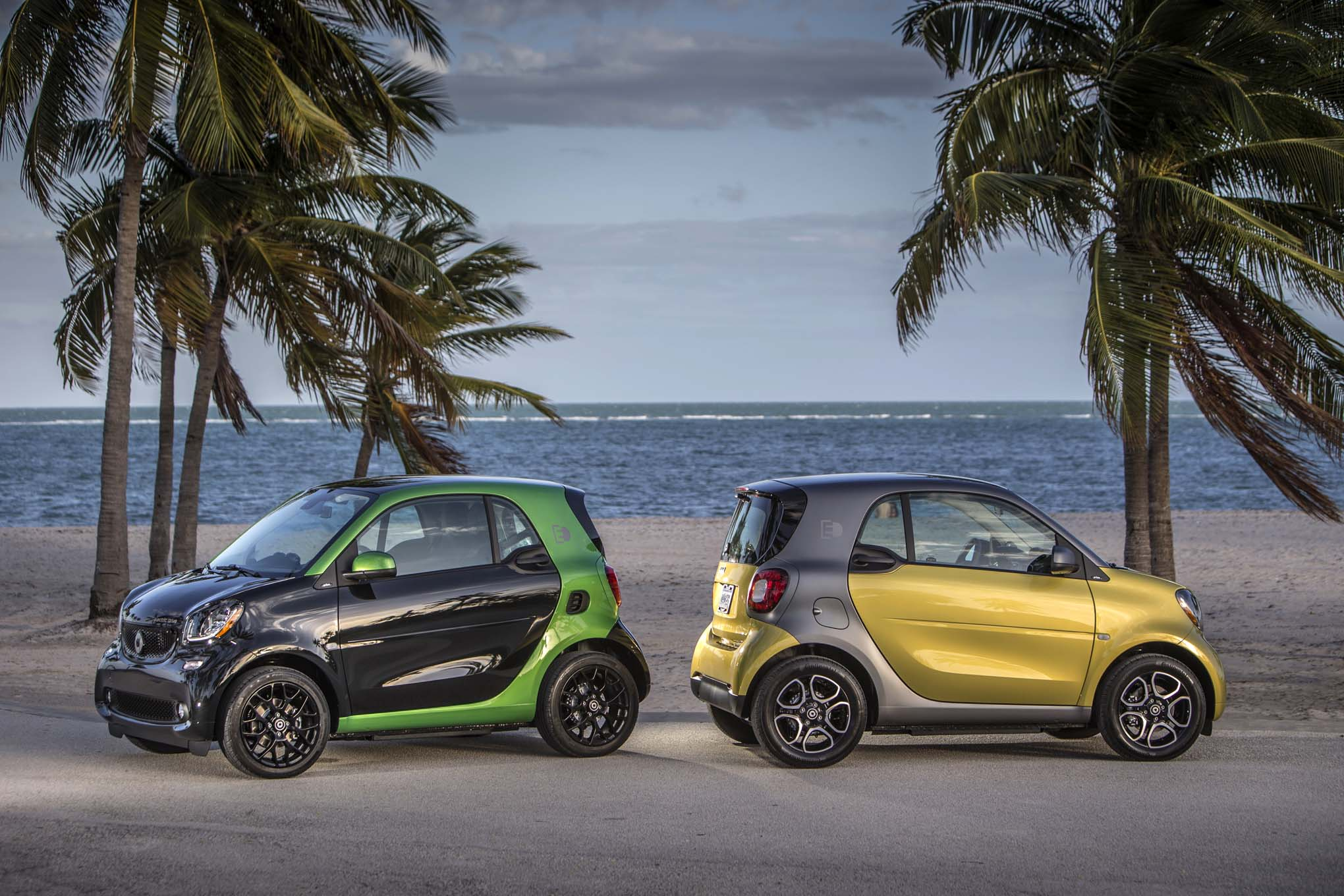 Pricing Announced For 2017 Smart Fortwo Electric Drive Coupe And Cabrio Automobile Magazine