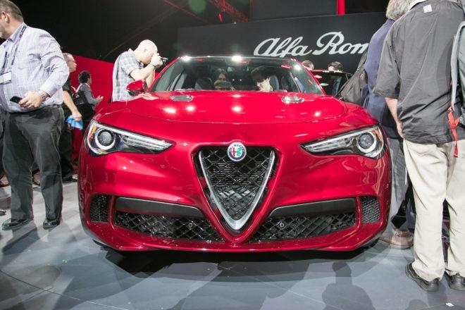 2018 Alfa Romeo Stelvio Front End 660x440