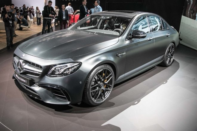 2018 Mercedes AMG E63 S front three quarter 03