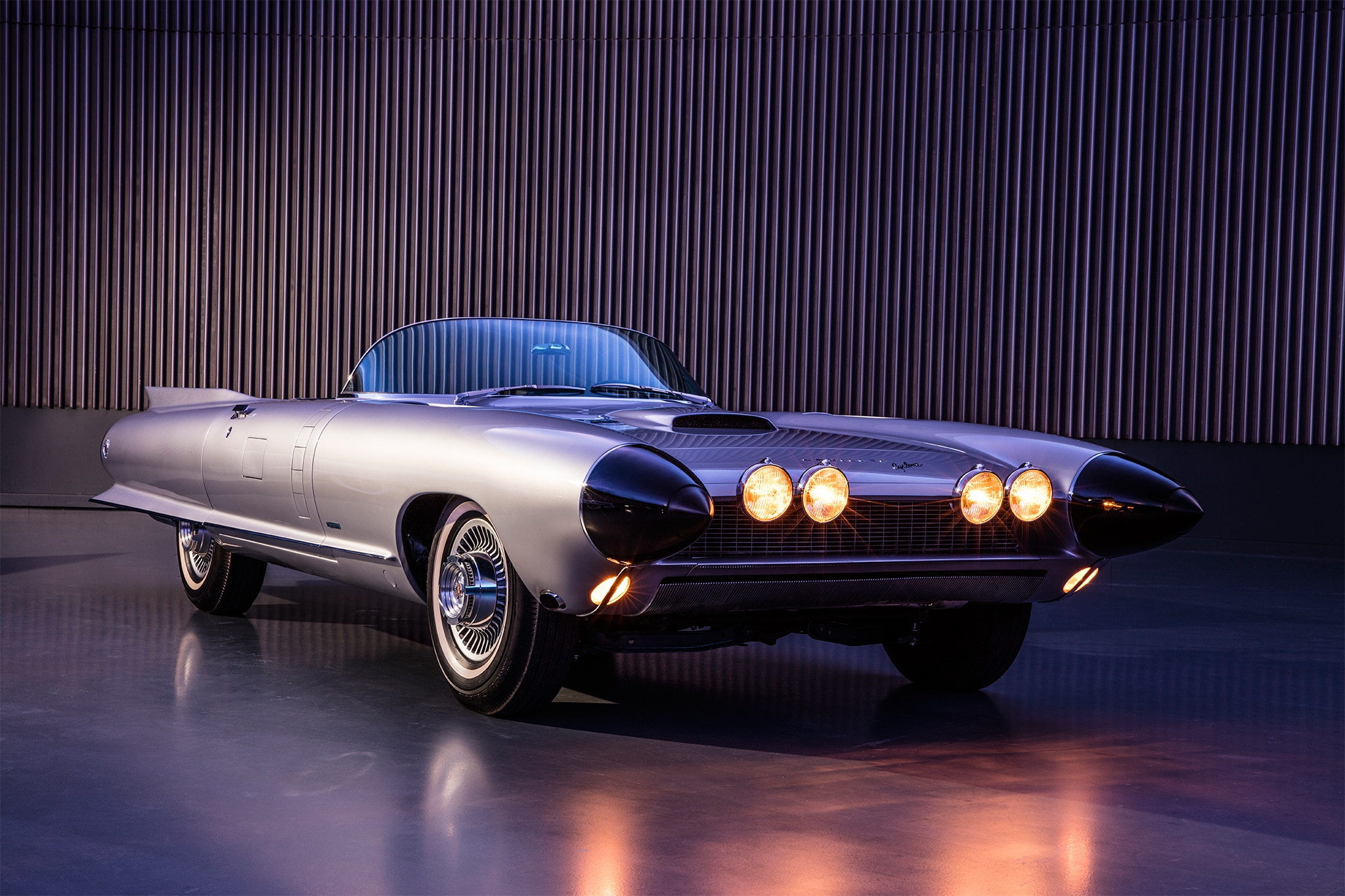 http://st.automobilemag.com/uploads/sites/11/2016/11/Cadillac-Cyclone-front-three-quarter-02.jpg