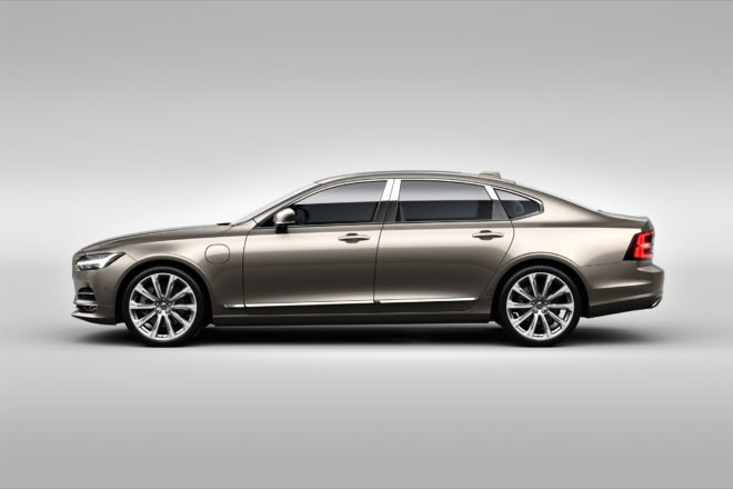 Volvo_S90_Excellence_exterior_side 660x440