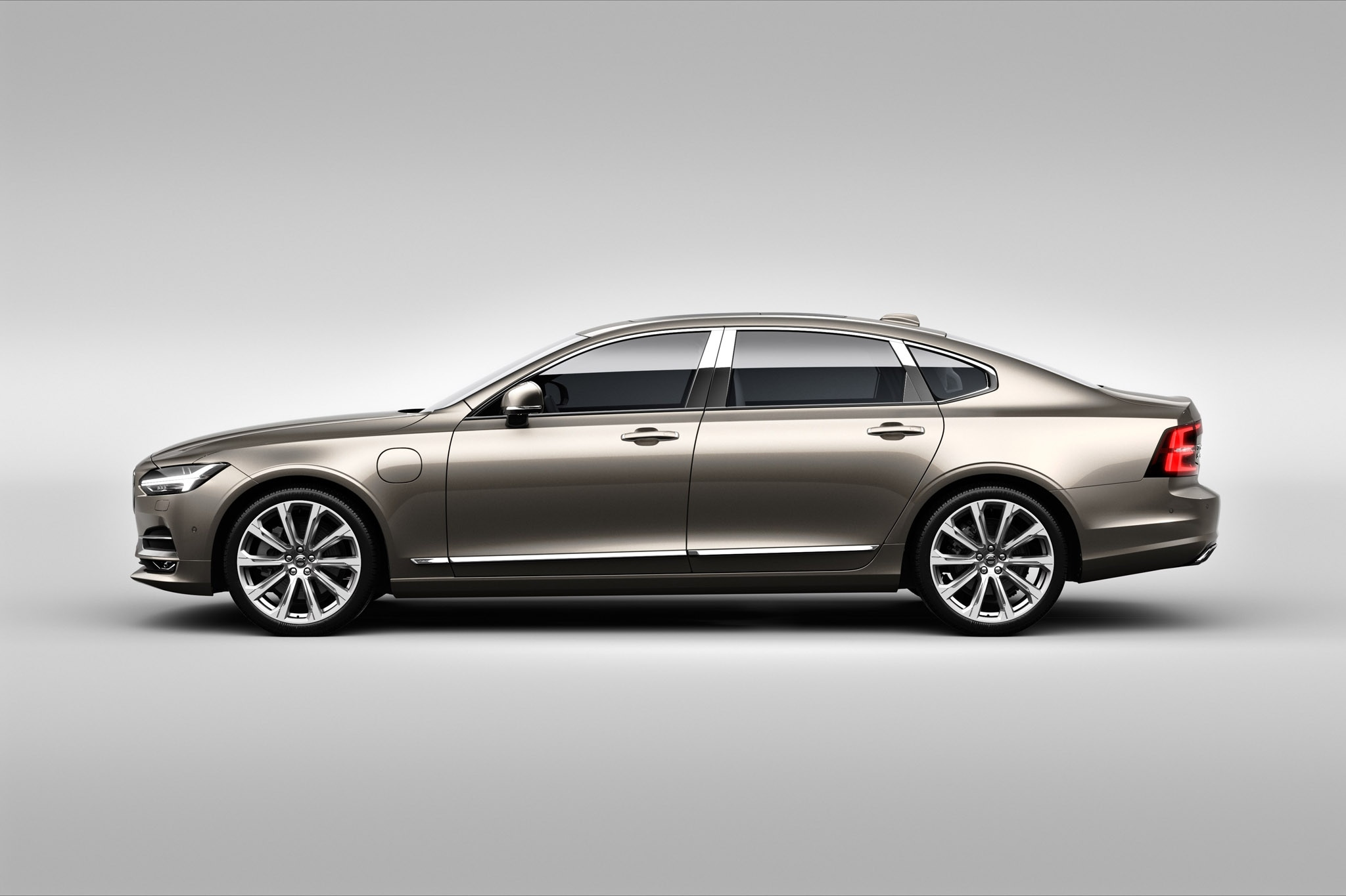 Volvo_S90_Excellence_exterior_side