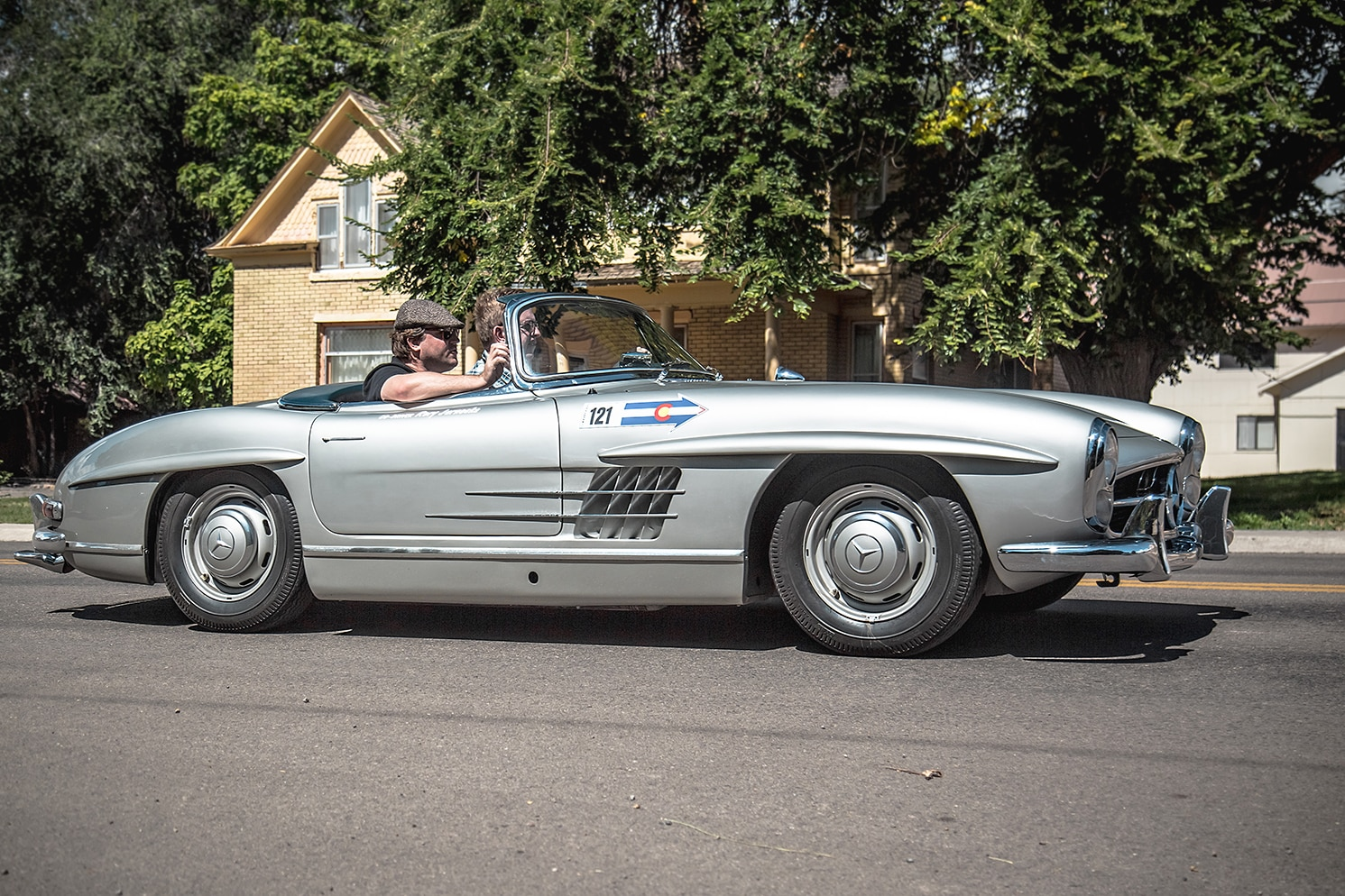 1957 mercedes benz 300sl roadster classic drive for Mercedes benz classic magazine