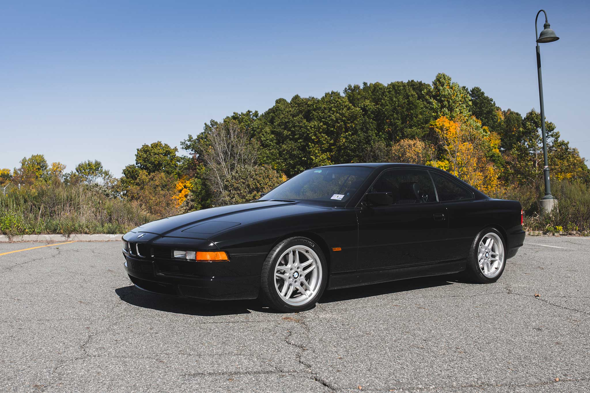 1994 BMW 850CSi Front Three Quarter 01