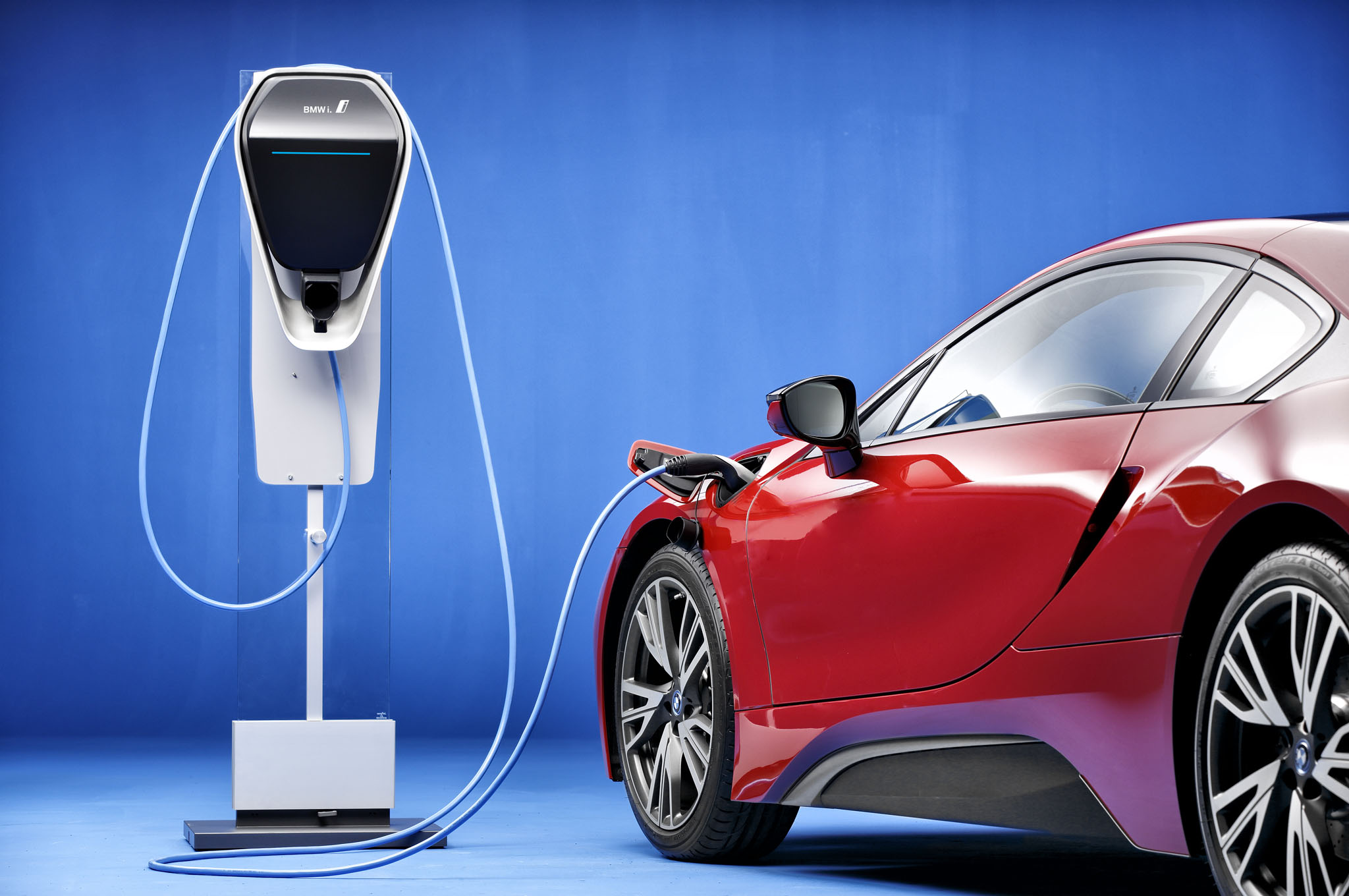 gb integrated next charge plant with lighting system light electric to pioneering and united lamppost vehicle charging showcases mini bmw street kingdom article oxford detail