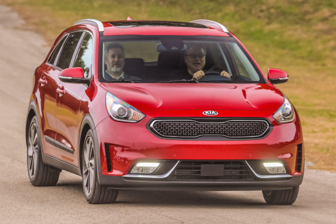 2017 kia niro priced starts at under 24 000 automobile magazine. Black Bedroom Furniture Sets. Home Design Ideas