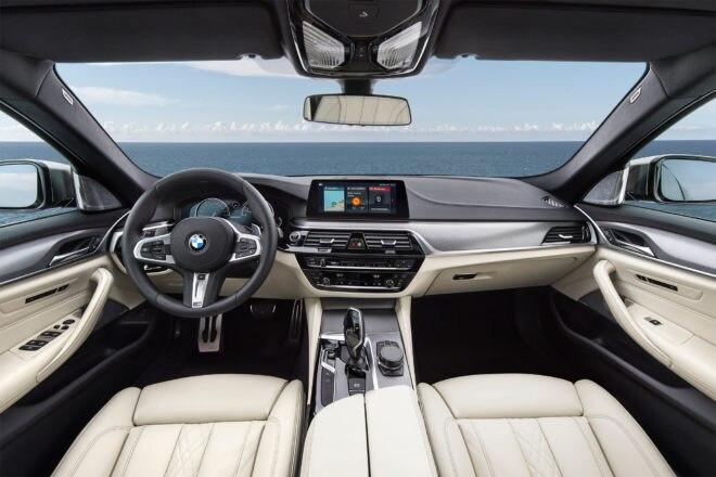 2018 BMW M550i xDrive cabin