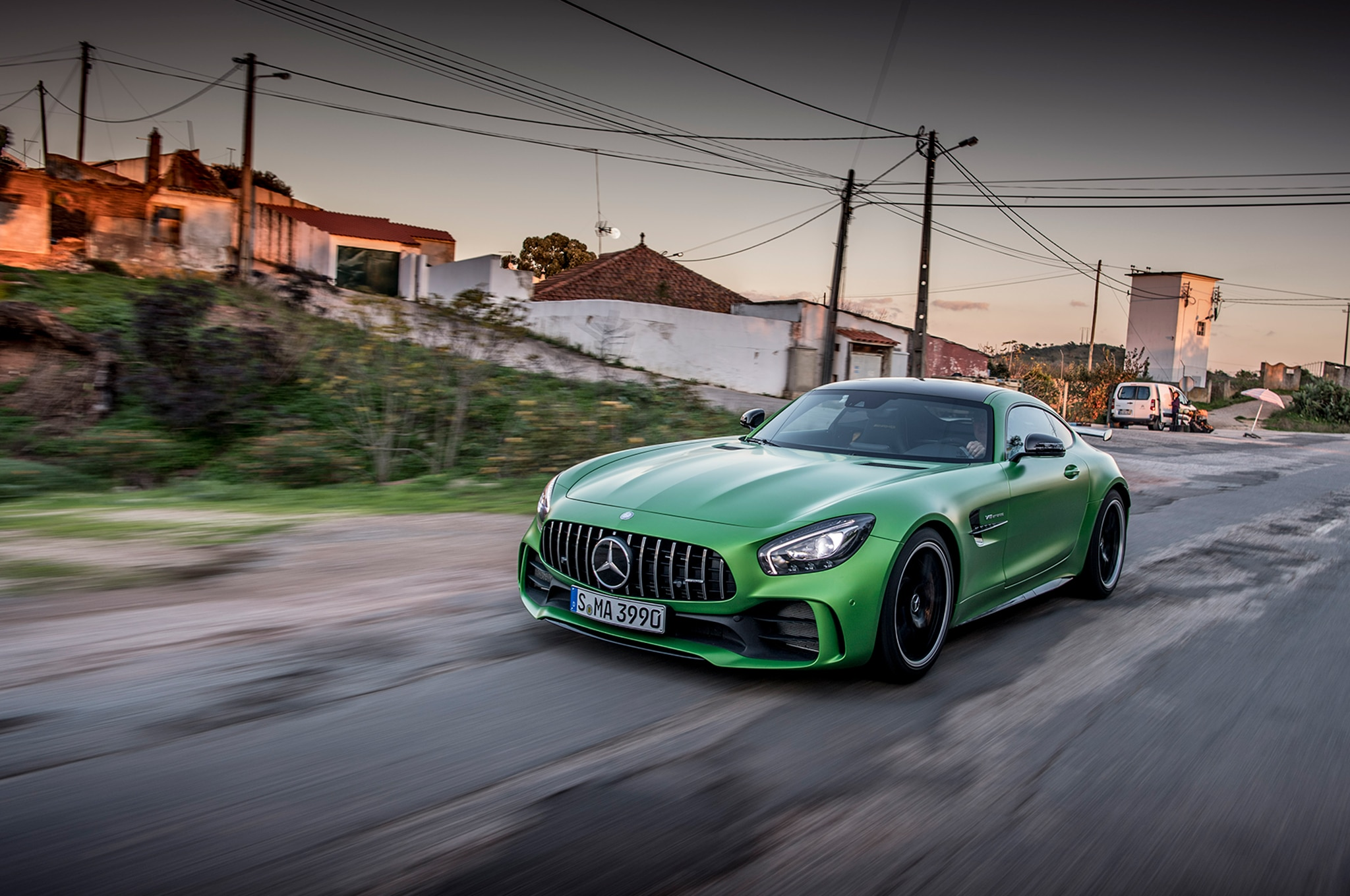 2018 mercedes amg gt r first drive review automobile magazine. Black Bedroom Furniture Sets. Home Design Ideas