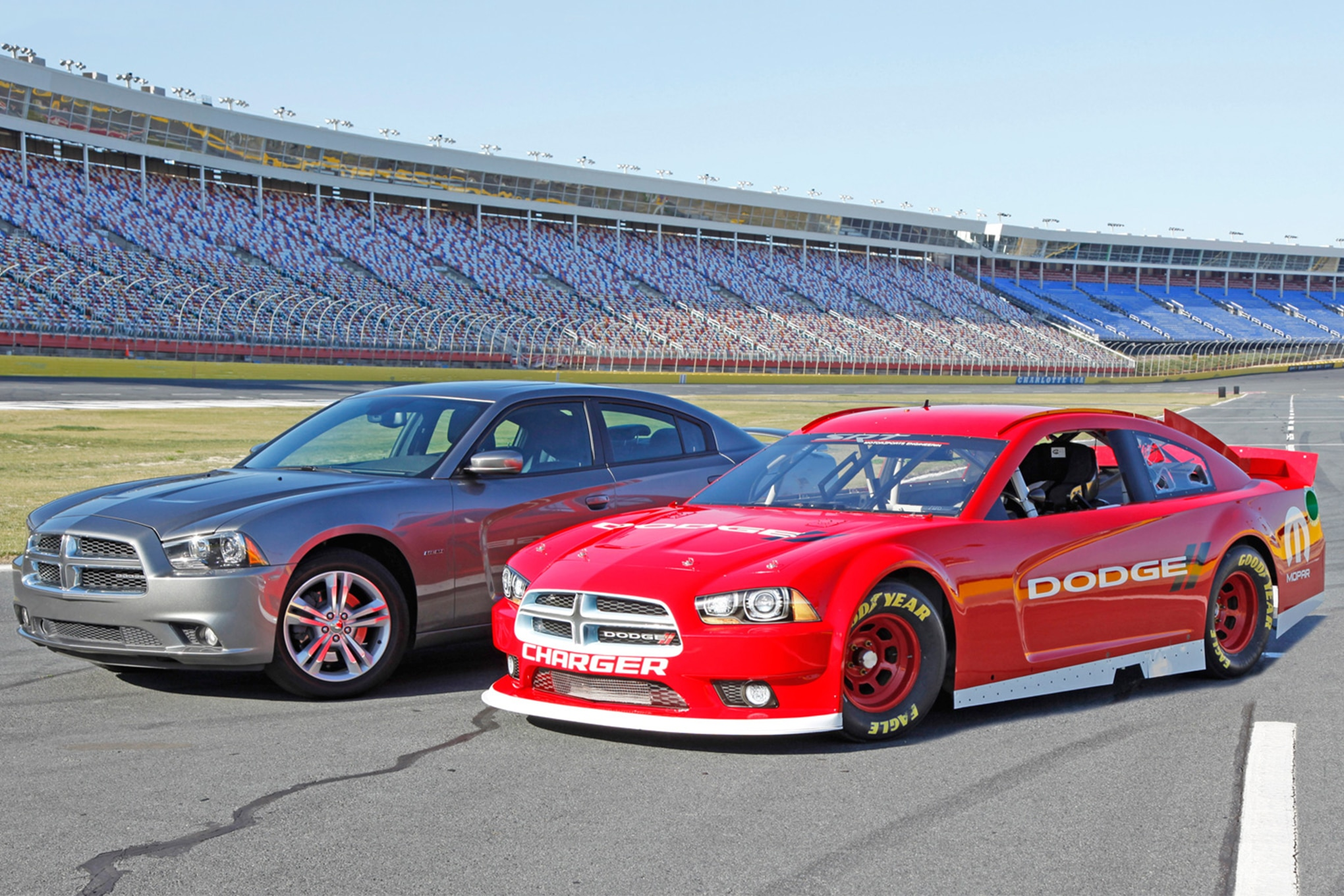 Chrysler Dodge Back In NASCAR
