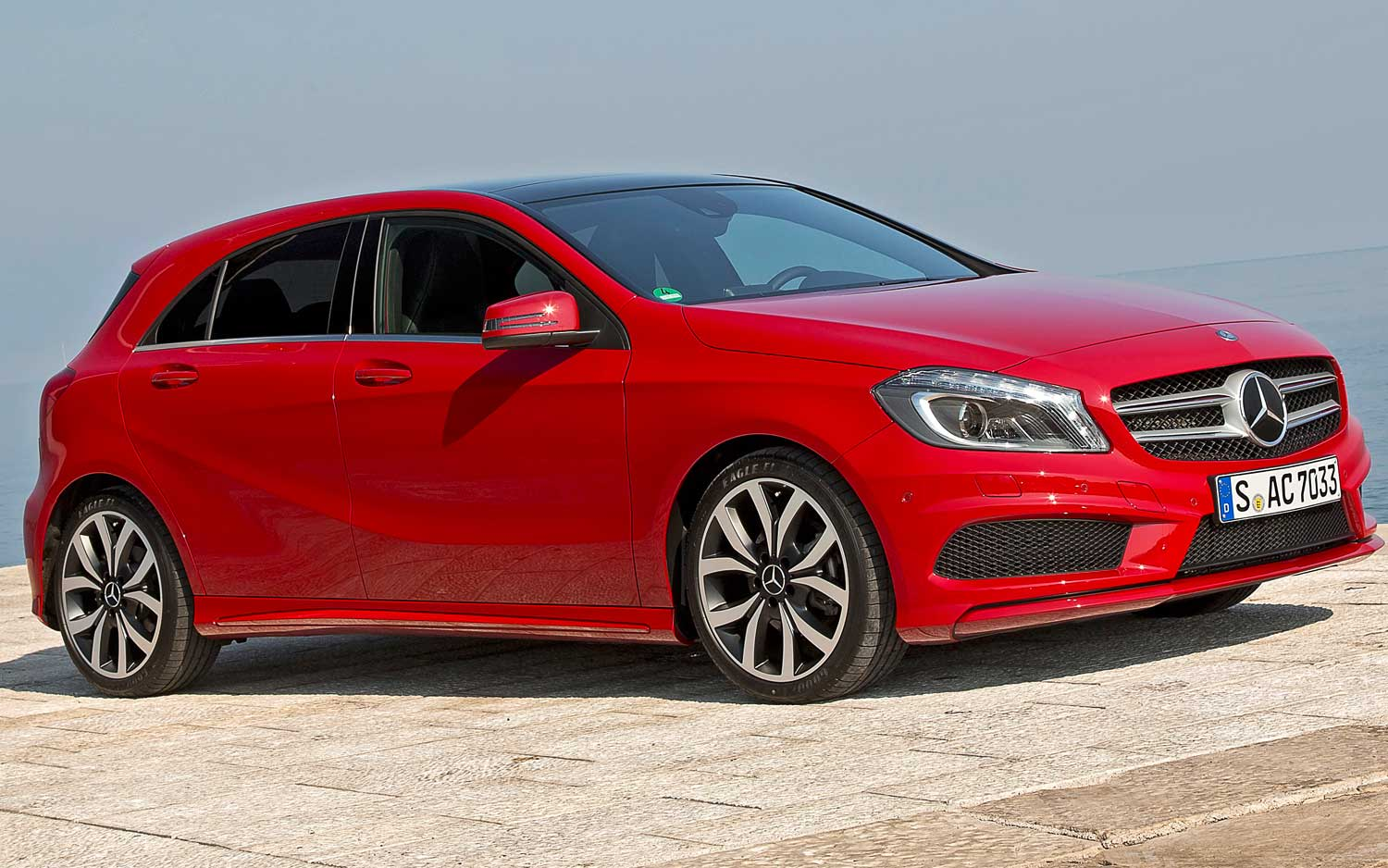 Mercedes benz a class sedan planned for 2018 report for Mercedes benz red
