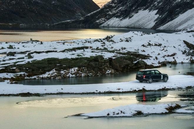 Range Rover Ultimate Vistas by Jonas Bendiksen 34