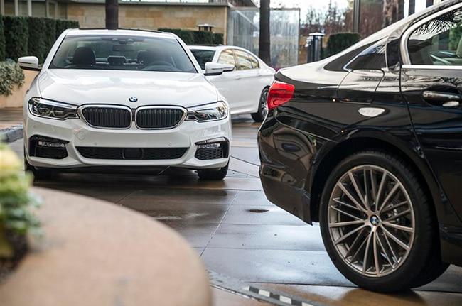 2017 BMW5 Series Parking