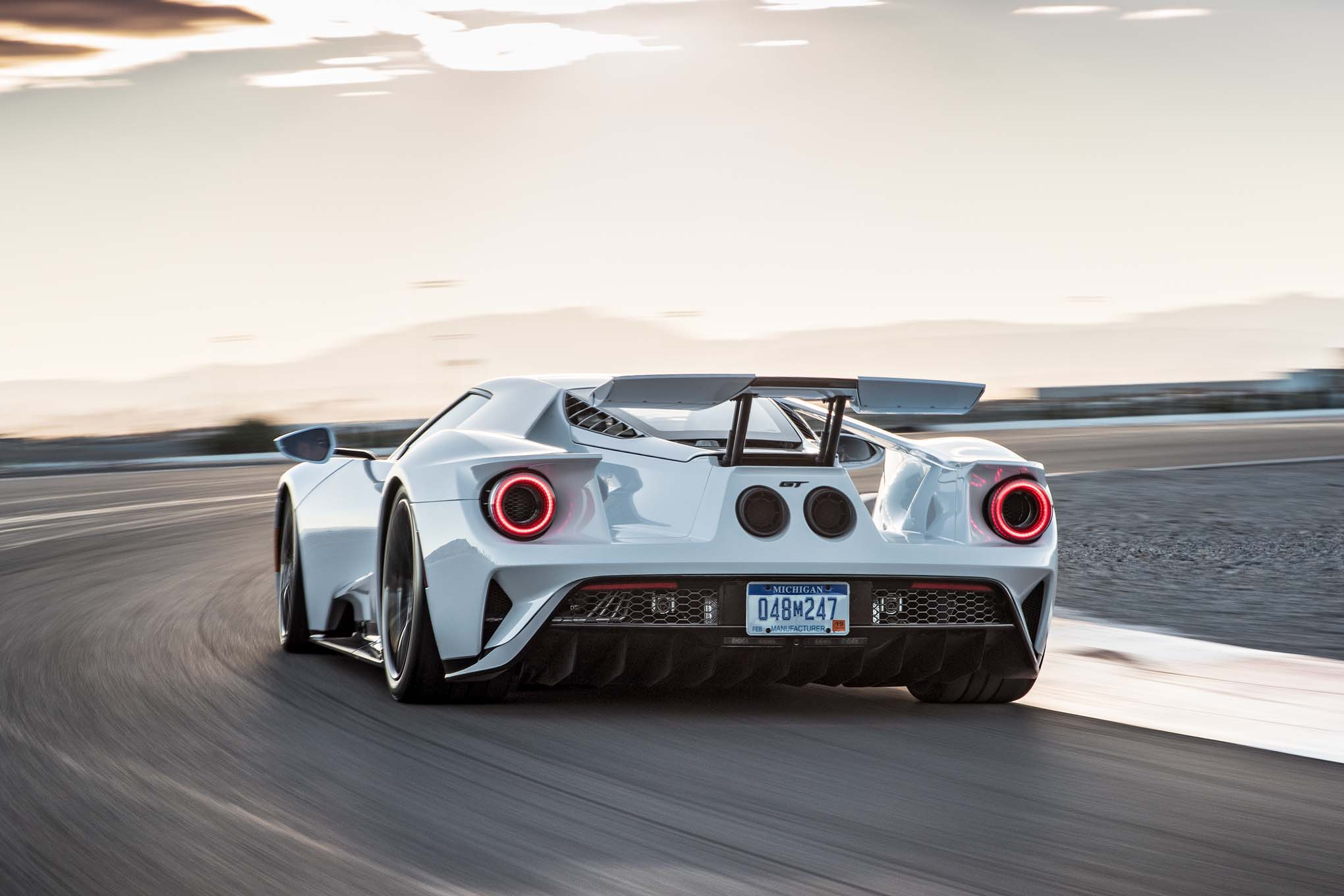 2017 ford gt guzzles gas to go fast automobile magazine. Black Bedroom Furniture Sets. Home Design Ideas