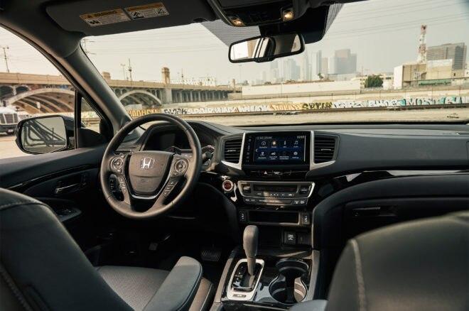 2017 Honda Ridgeline RTL E cabin 03