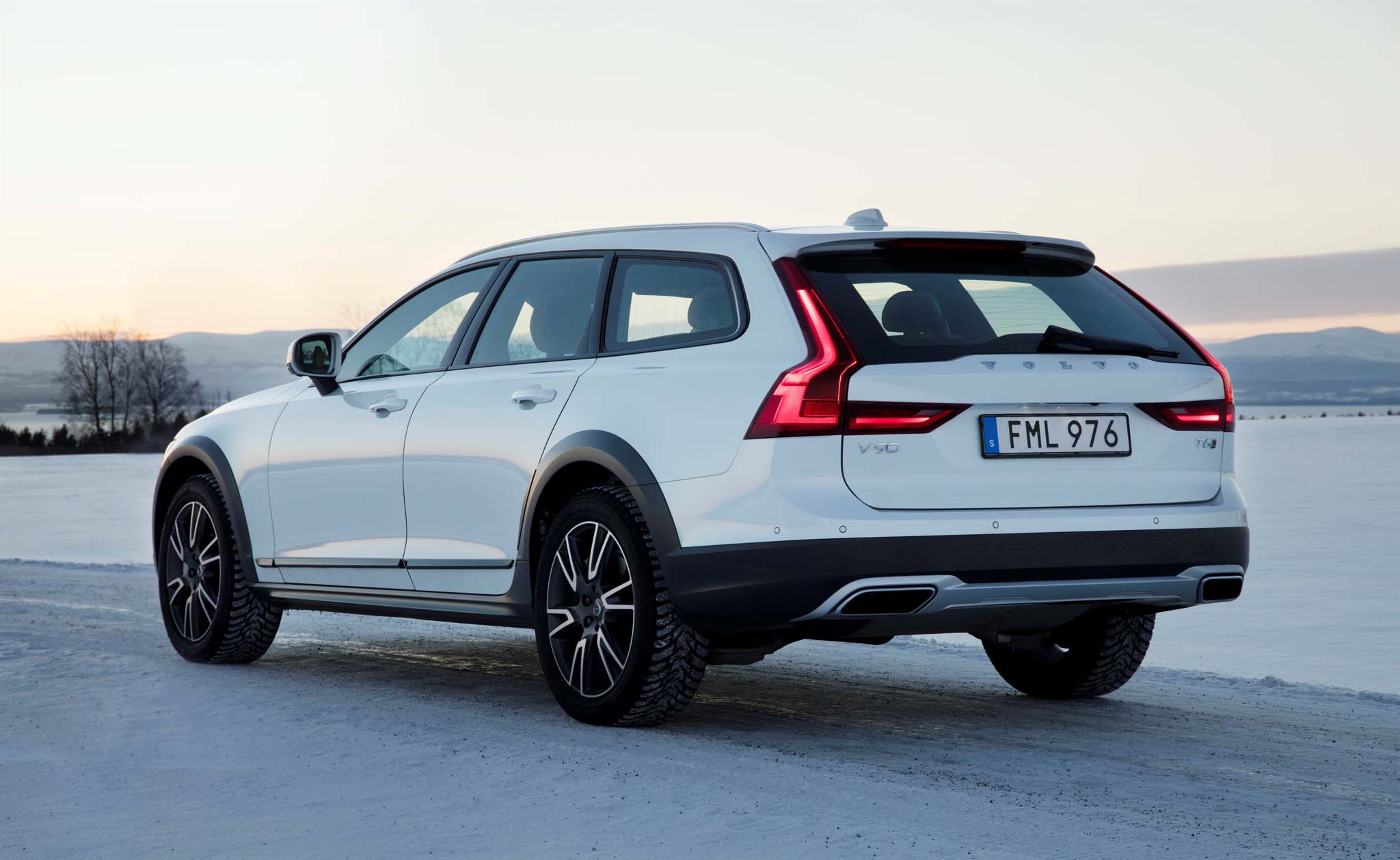 100 2018 Volvo V90 Cross Country Release Date Car