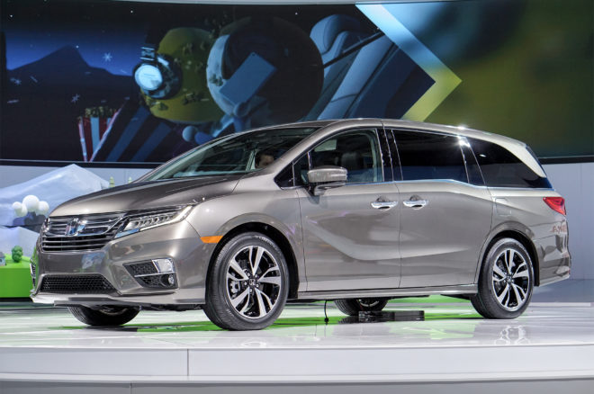 2018 Honda Odyssey Front Three Quarter 1 660x438