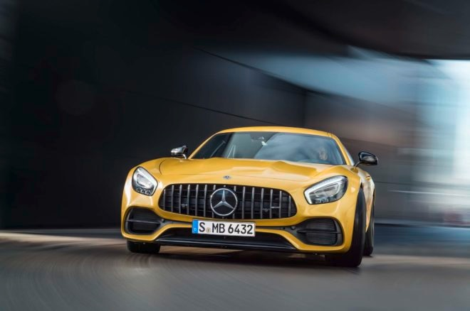 Mercedes-Benz GLA250 and Mercedes-AMG GLA45 Preview