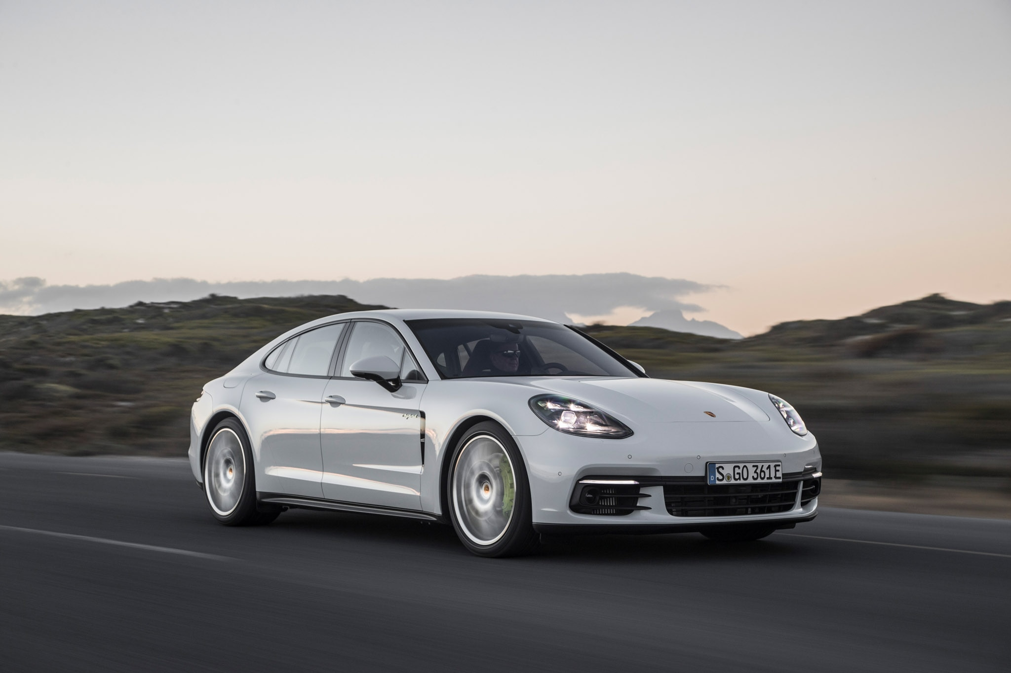 first drive 2018 porsche panamera 4 e hybrid automobile magazine. Black Bedroom Furniture Sets. Home Design Ideas