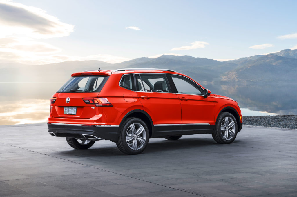 2018-Volkswagen-Tiguan-long-wheelbase-rear-three-quarter-1