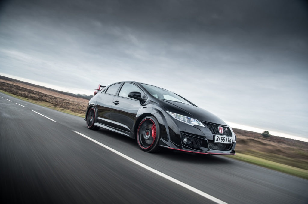 Honda-Civic-Type-R-Black-Edition-in-Motion