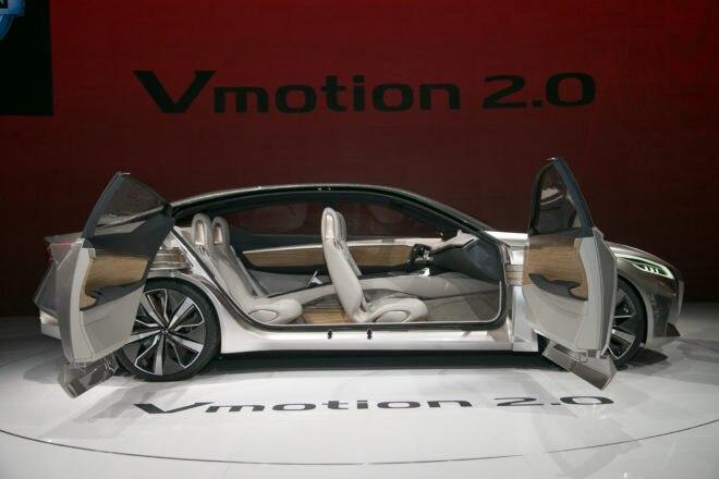 Nissan V Motion 20 Sedan Concept Side 660x440