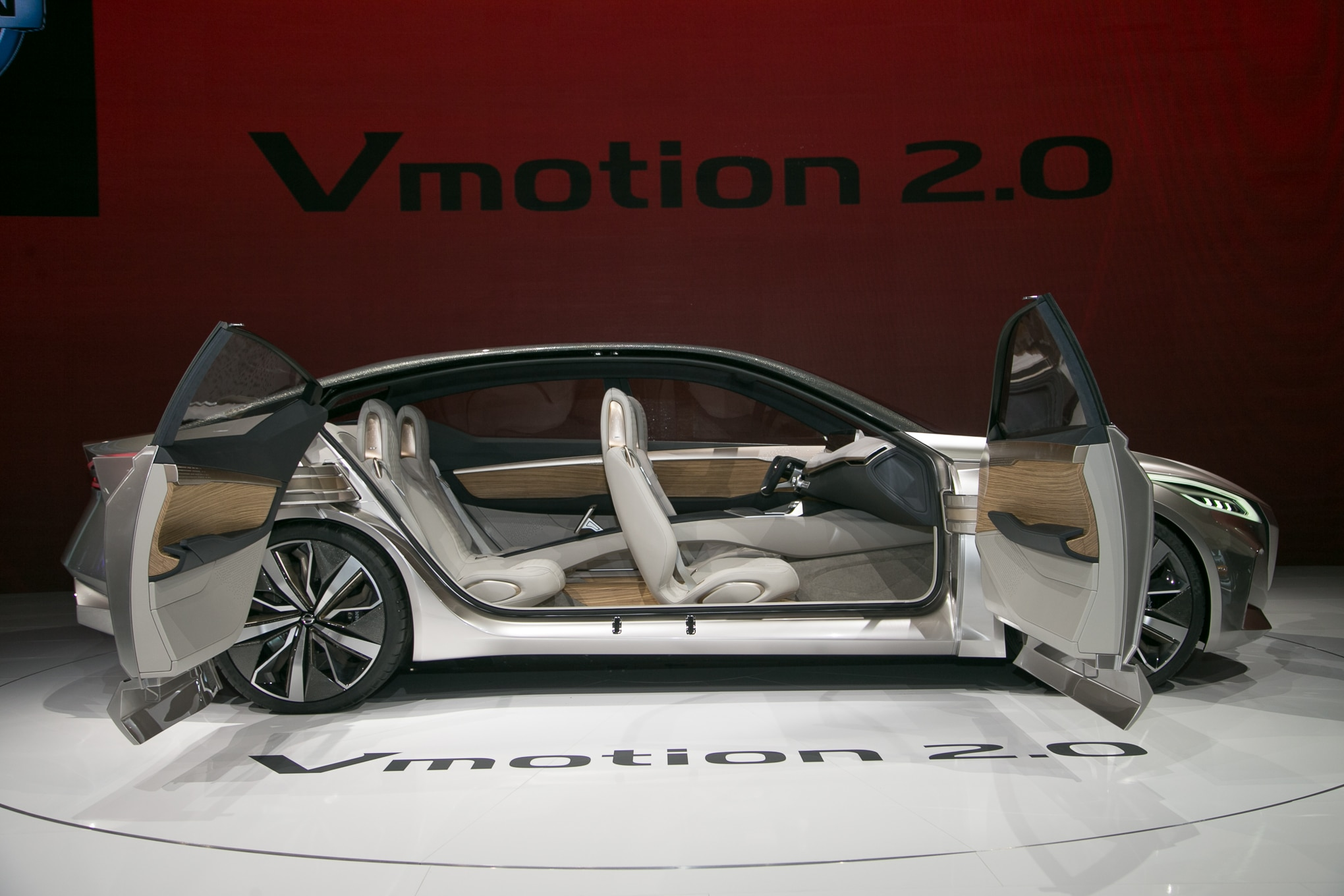 Nissan V Motion 20 Sedan Concept Side