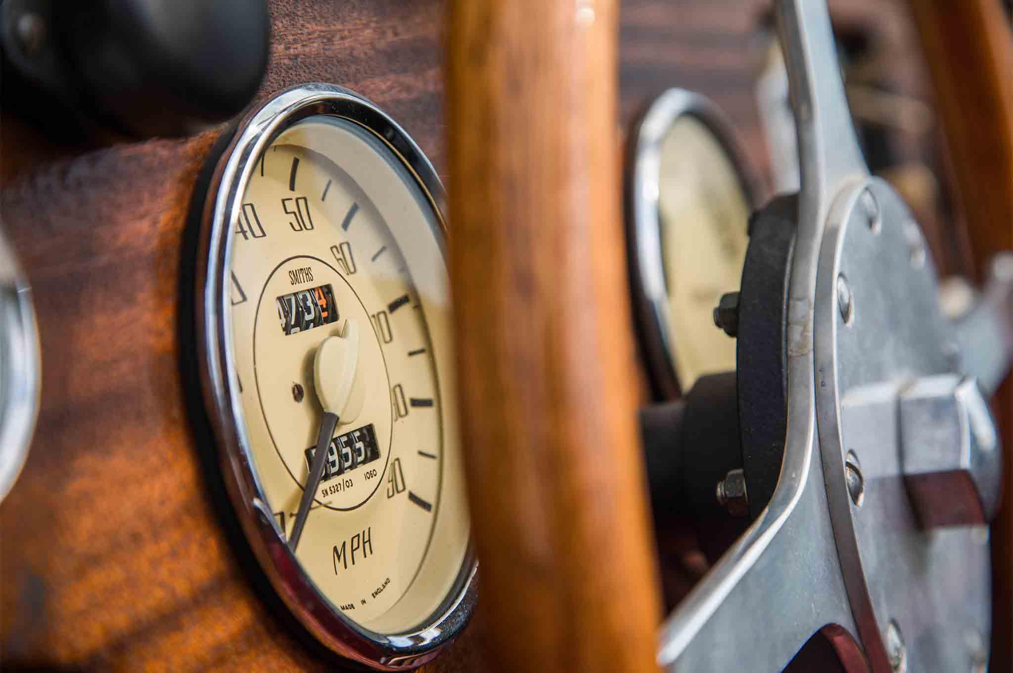 1963 Morgan 4 4 Dashboard Gauge 02