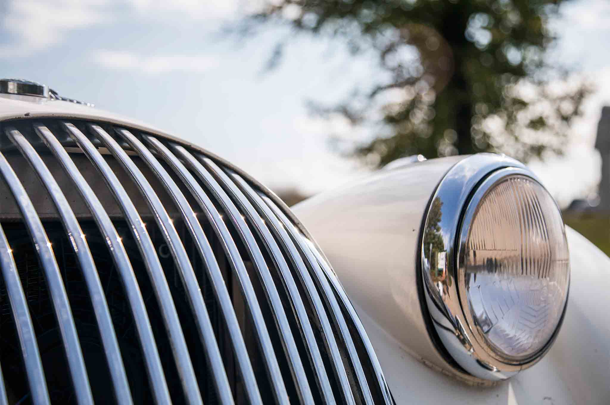 1963 Morgan 4 4 Grille And Headlamp