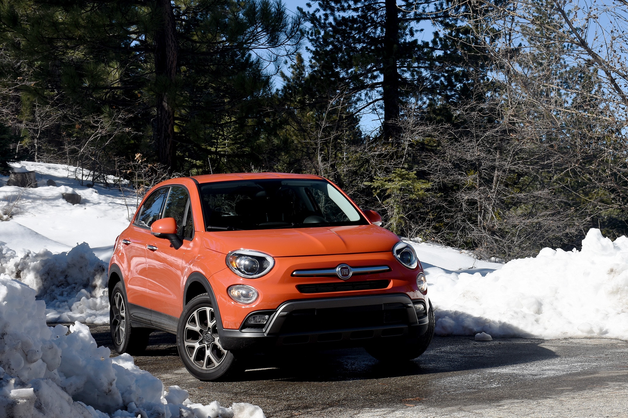 2016 Fiat 500X Trekking Four Seasons Update 3 Front 02