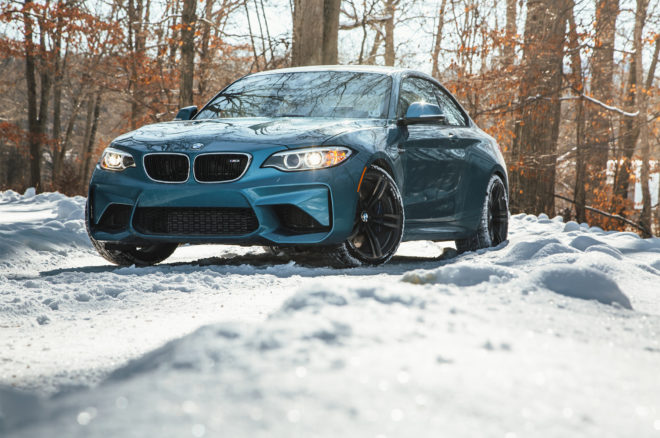 2017 BMW M2 front three quarter 06