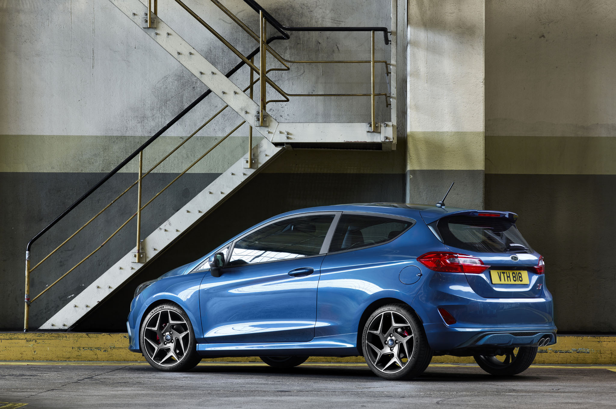 next gen ford fiesta st tears it up in new video automobile magazine. Black Bedroom Furniture Sets. Home Design Ideas