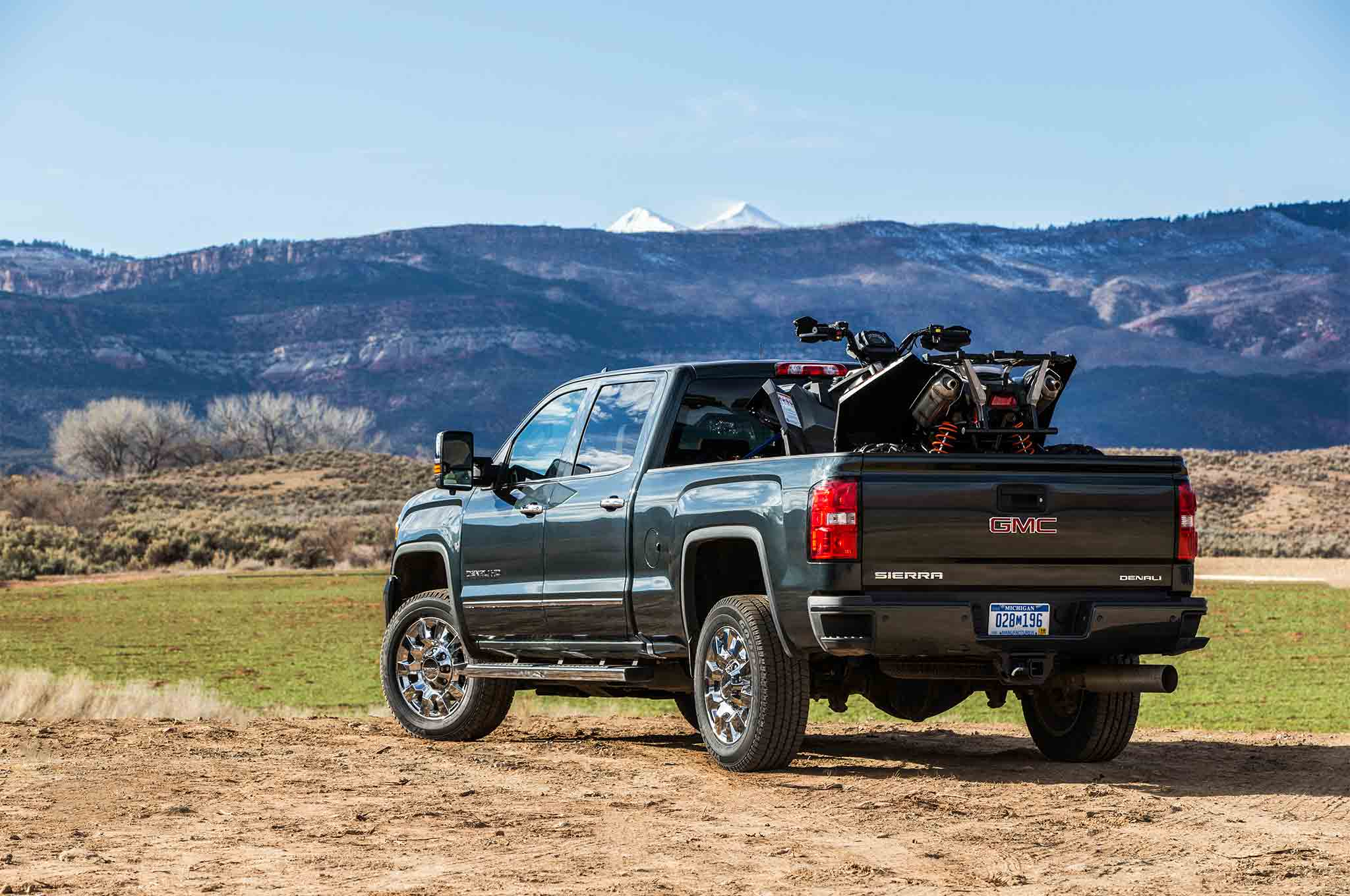 2017 GMC Sierra 2500 and 3500 Denali HD Duramax Review sep