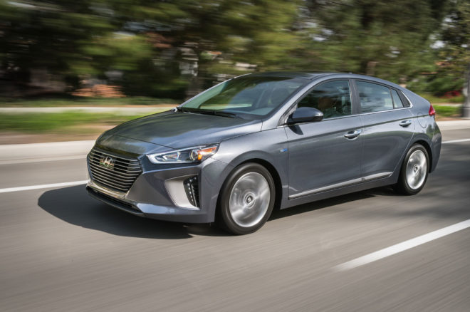 2017 Hyundai Ioniq Hybrid Front Three Quarter In Motion 08 660x438