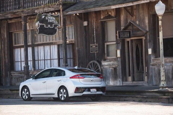 2017 Hyundai Ioniq Santa Barbara 14