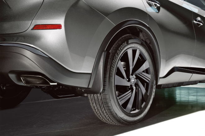 2017 Nissan Murano Platinum Midnight Edition rear wheels