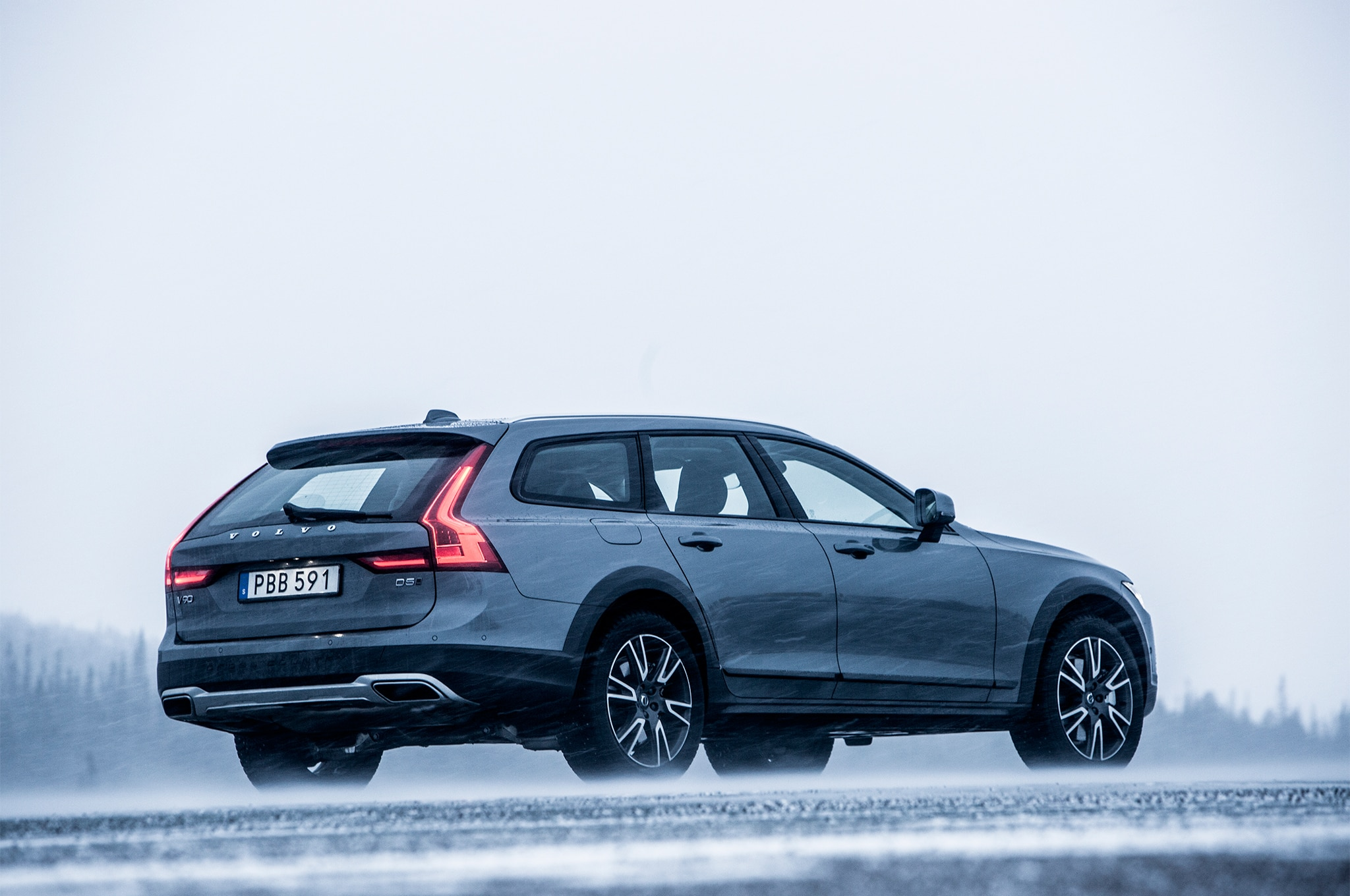 2017 Volvo V90 Cross Country First Drive Review