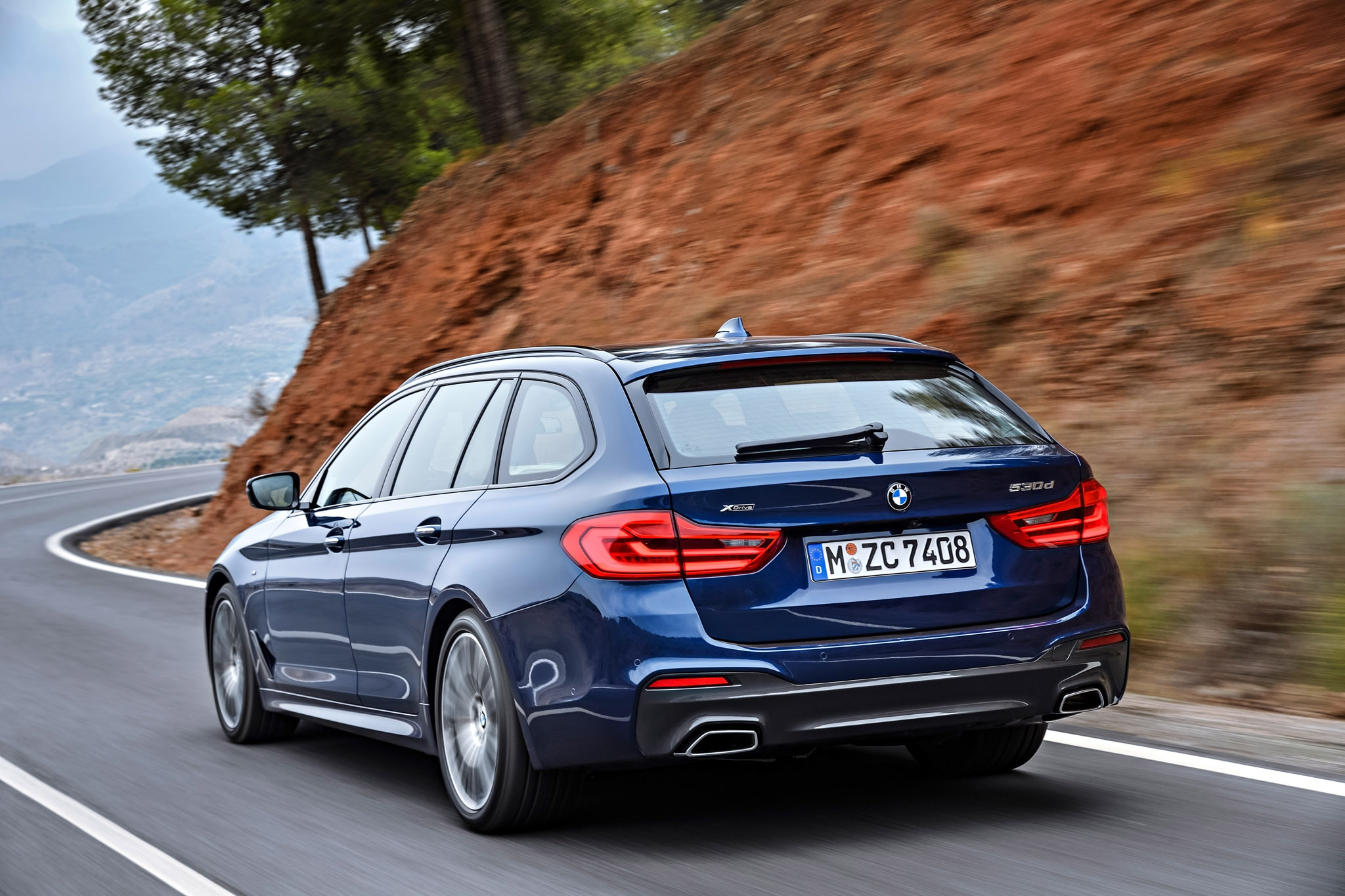 2018 BMW 5 Series Touring Debuts