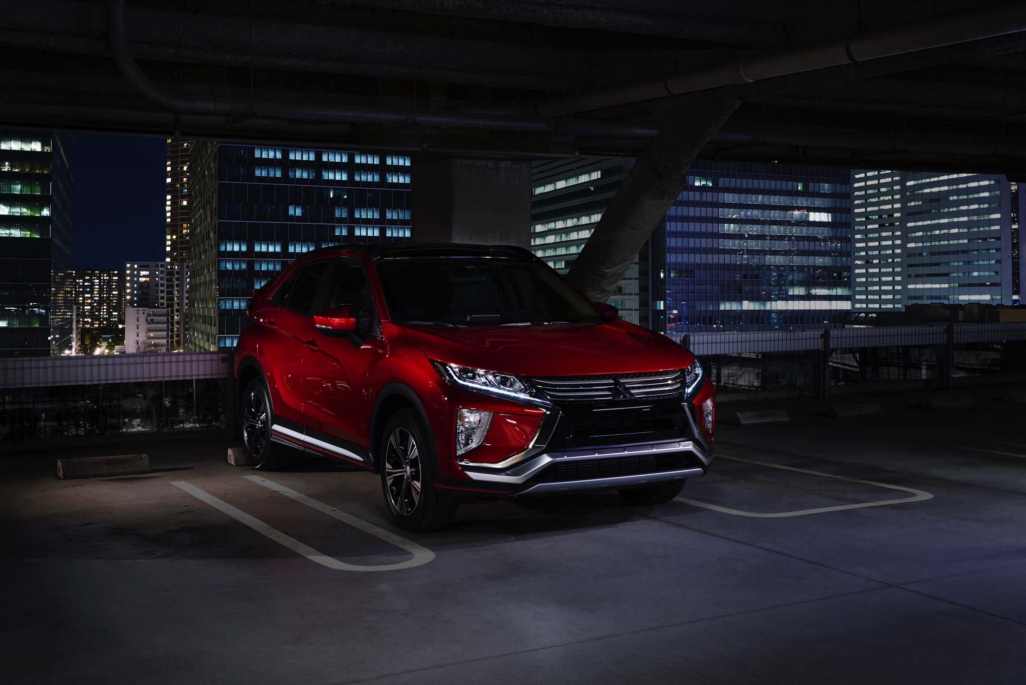 2018 Mitsubishi Eclipse Cross Front Three Quarter View 1