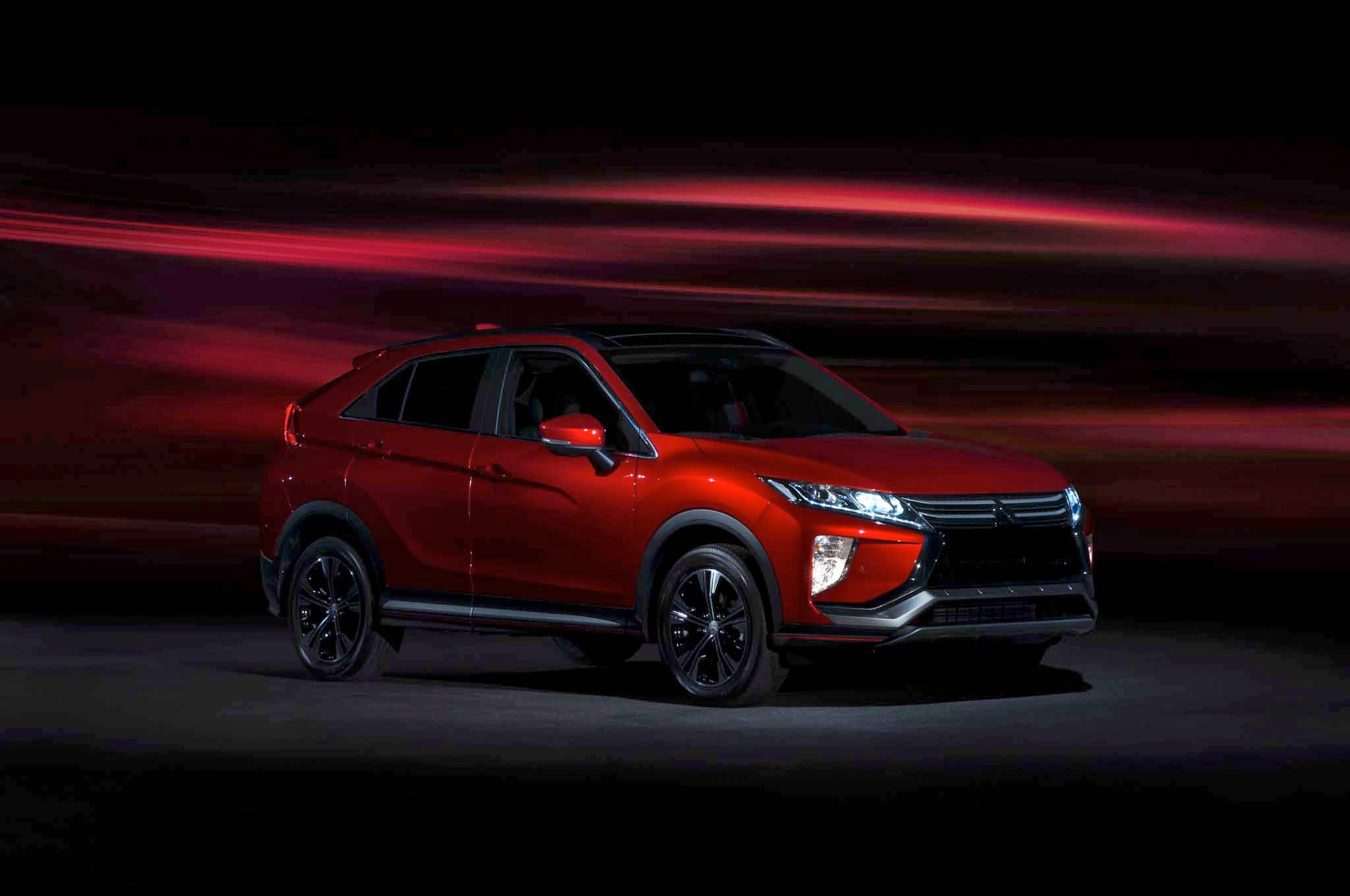 2018 Mitsubishi Eclipse Cross Front Three Quarters 02 1