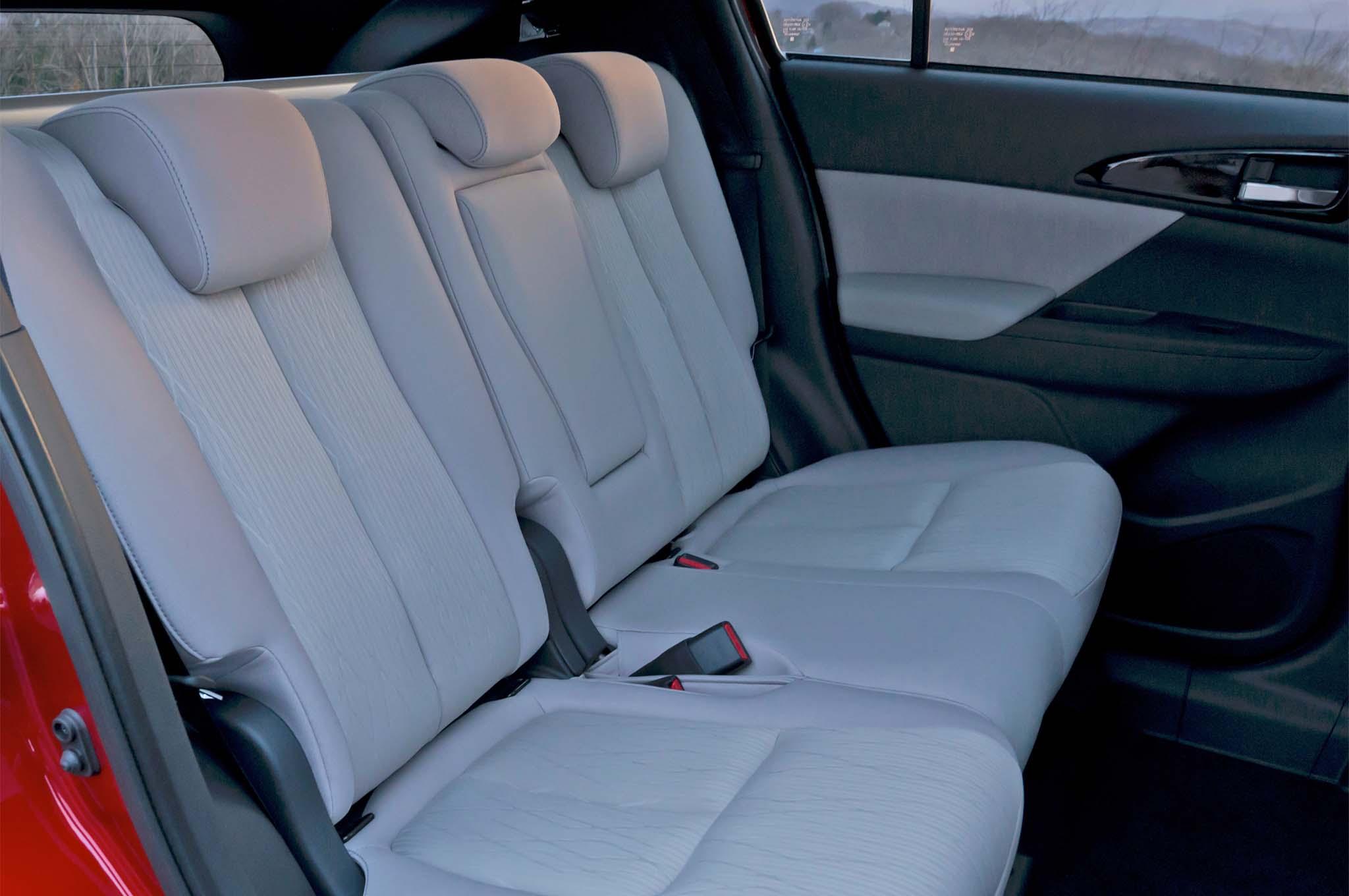 2018 Mitsubishi Eclipse Cross Rear Interior Seats 02 1
