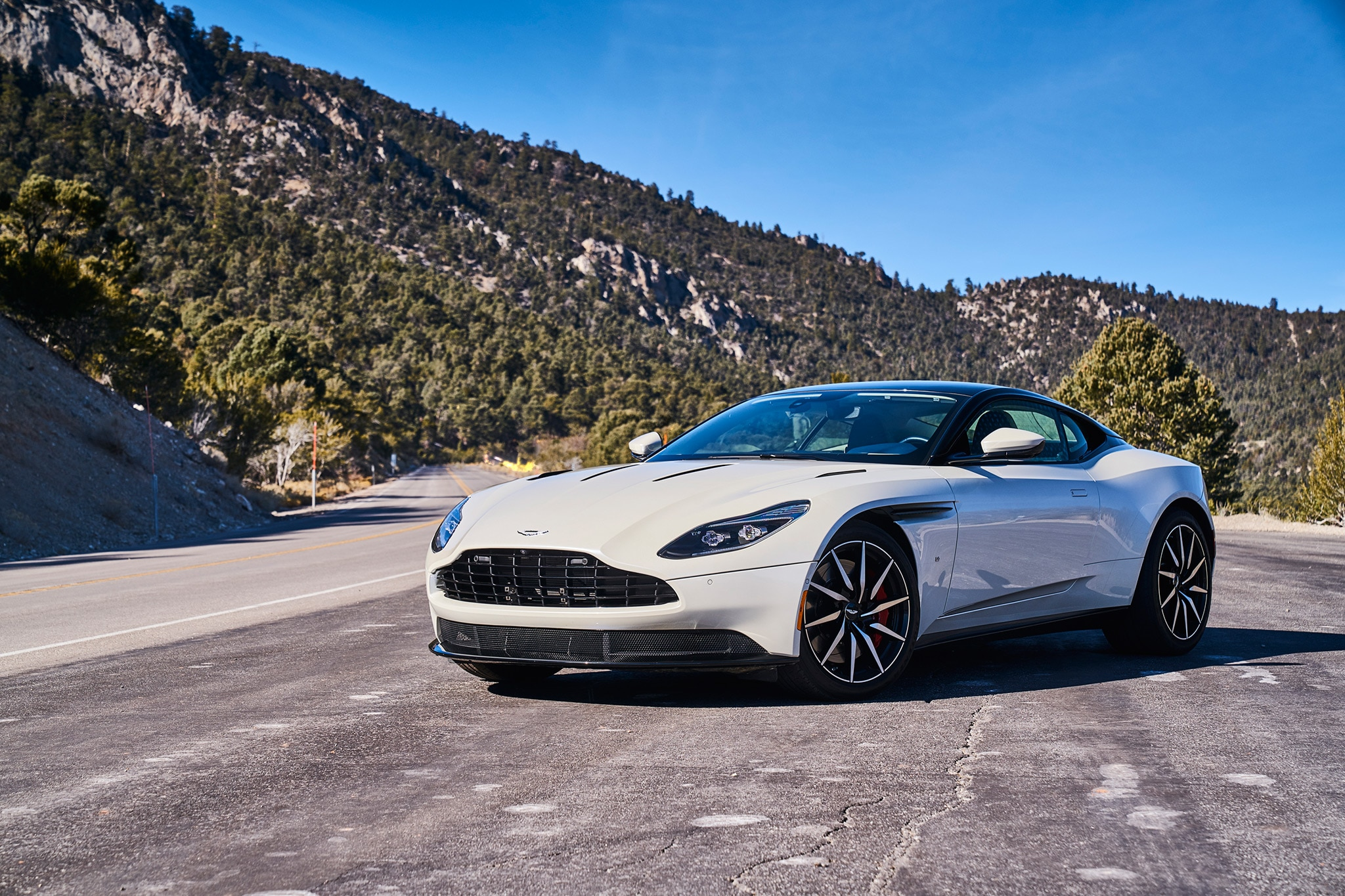 2017 Aston Martin DB11 Pricing &- Features | Edmunds