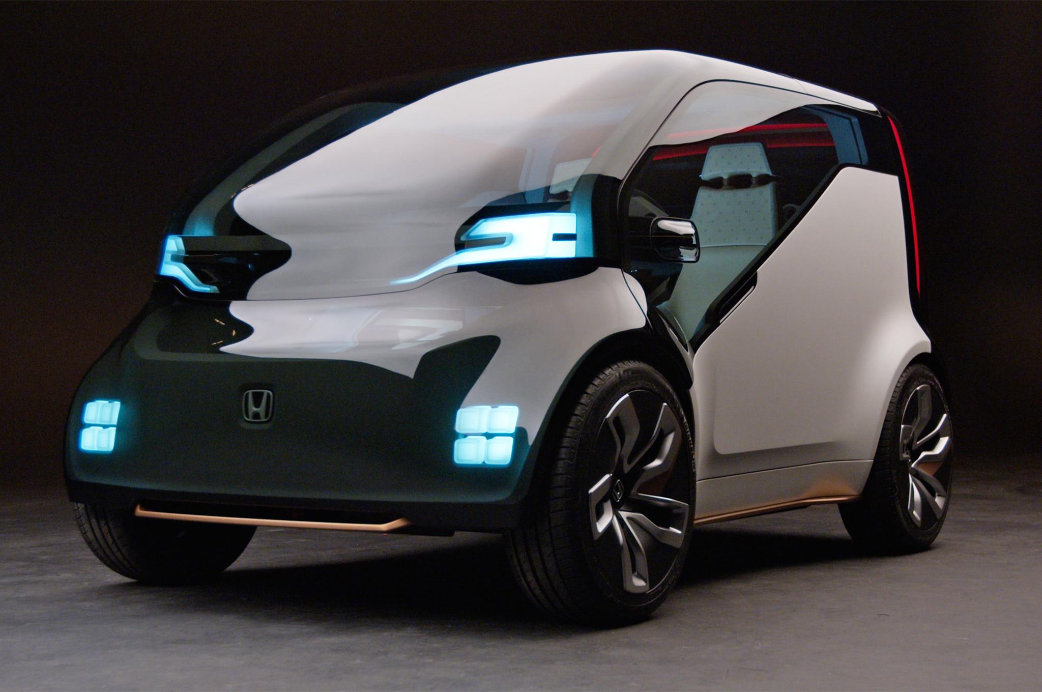 Honda NeuV Cooperative Mobility Ecosystem front three quarter