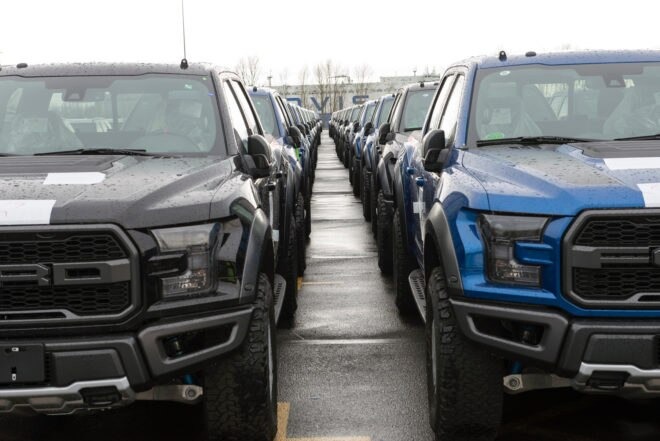 Ford Raptor VS 2014 Ford Raptor: Which is Faster?