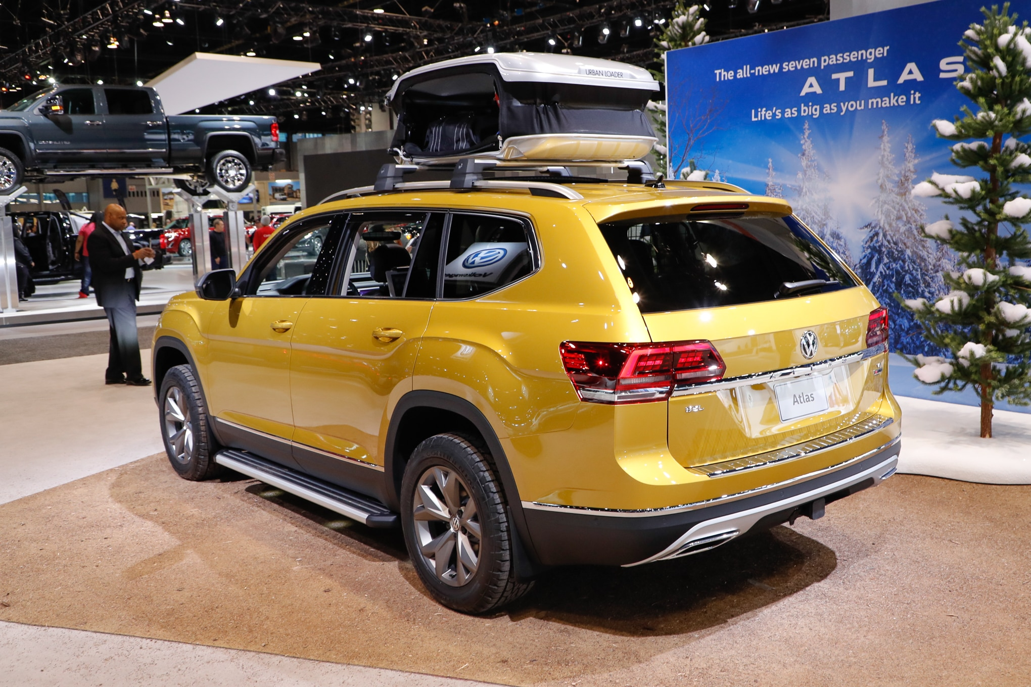Volkswagen Atlas Weekend Concept Rear Three Quarter 1