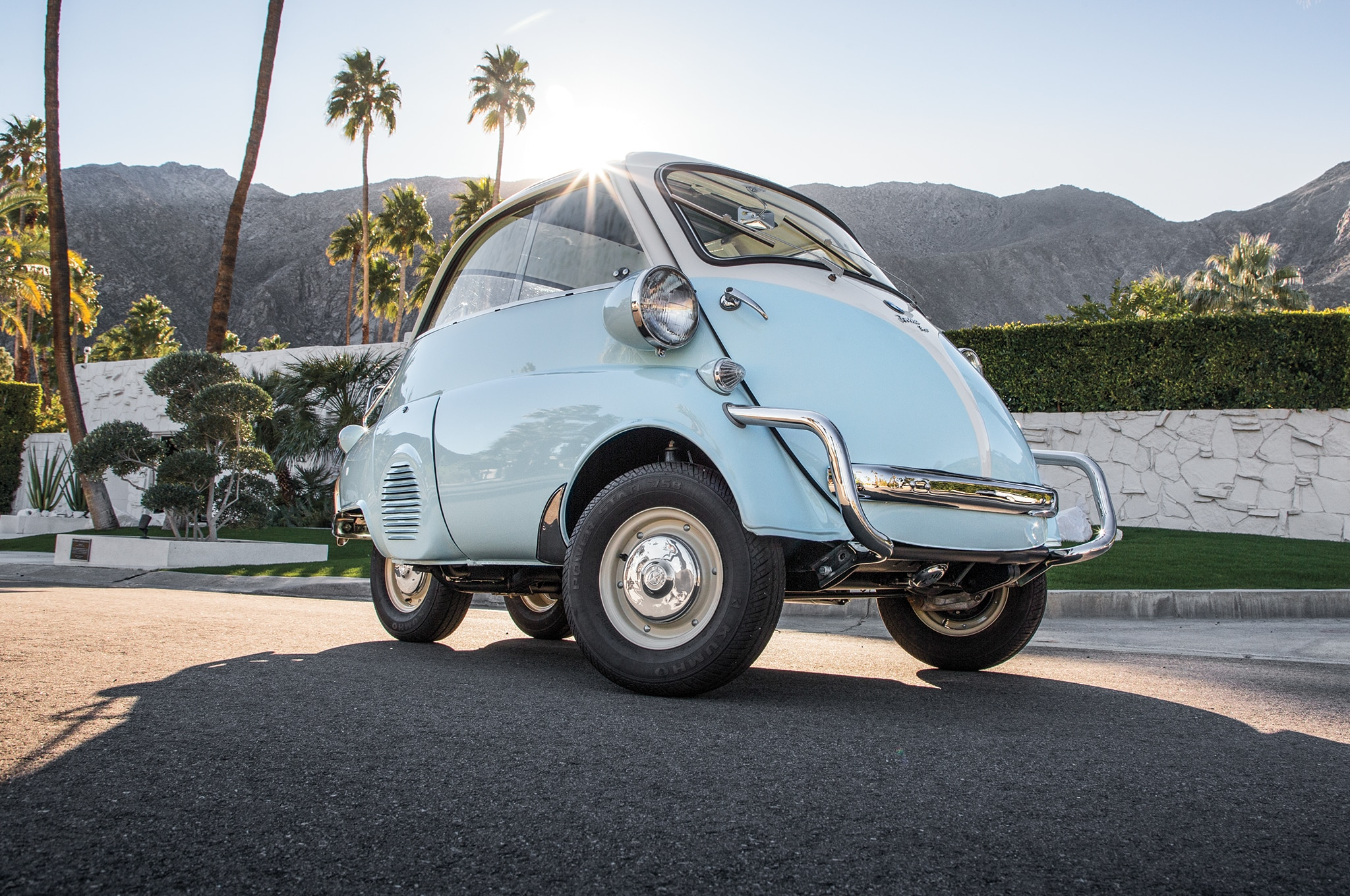 1957 BMW Isetta 300 Front Three Quarter 02