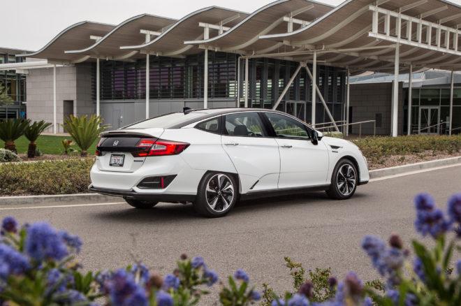 2017 Honda Clarity Fuel Cell rear three quarter 02