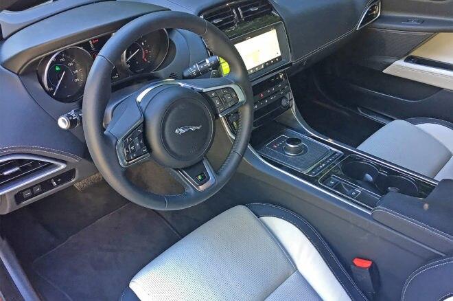 2017 Jaguar XE 35t R Sport cabin