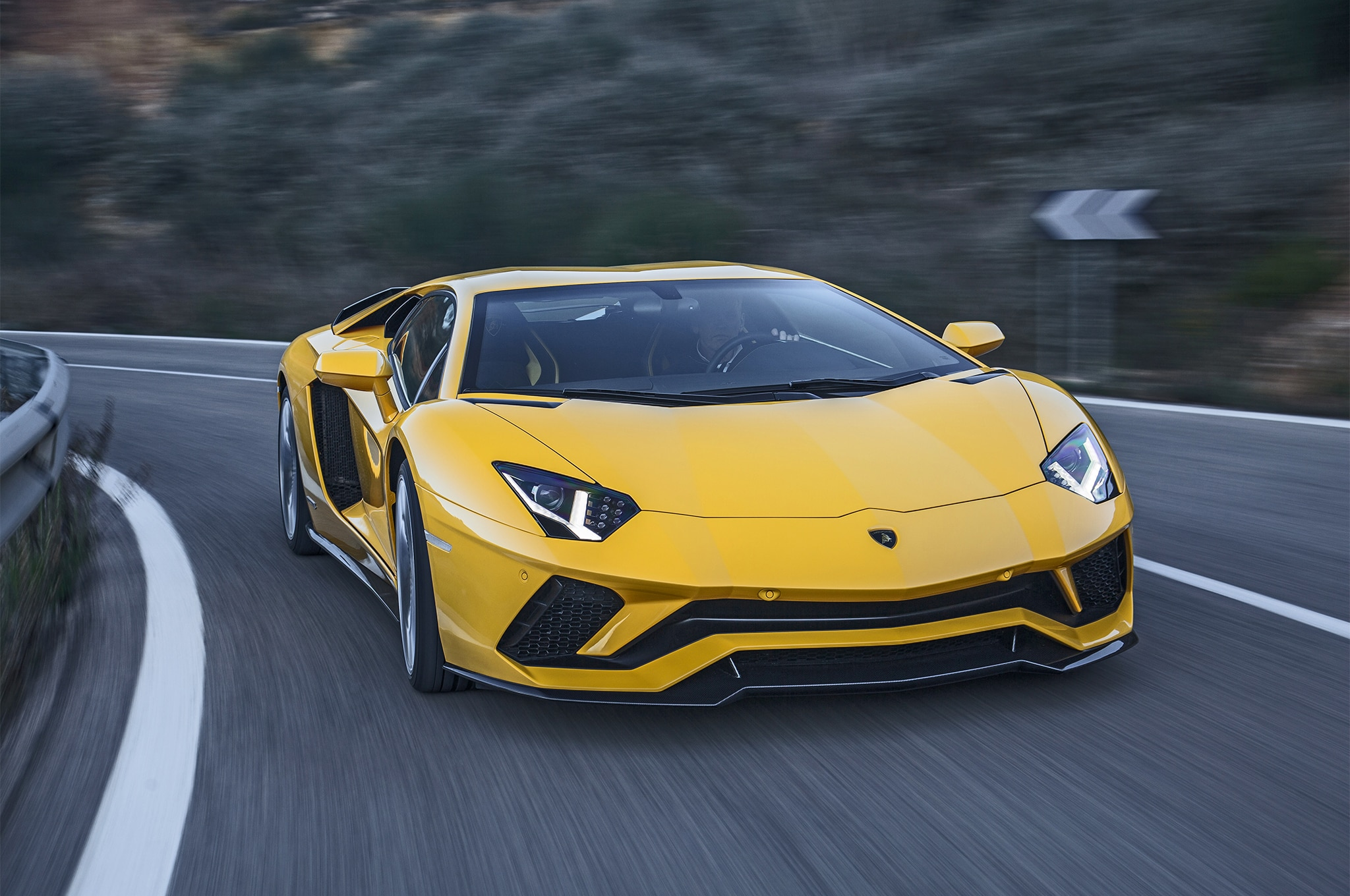 2017 Lamborghini Aventador S Front View In Motion 08