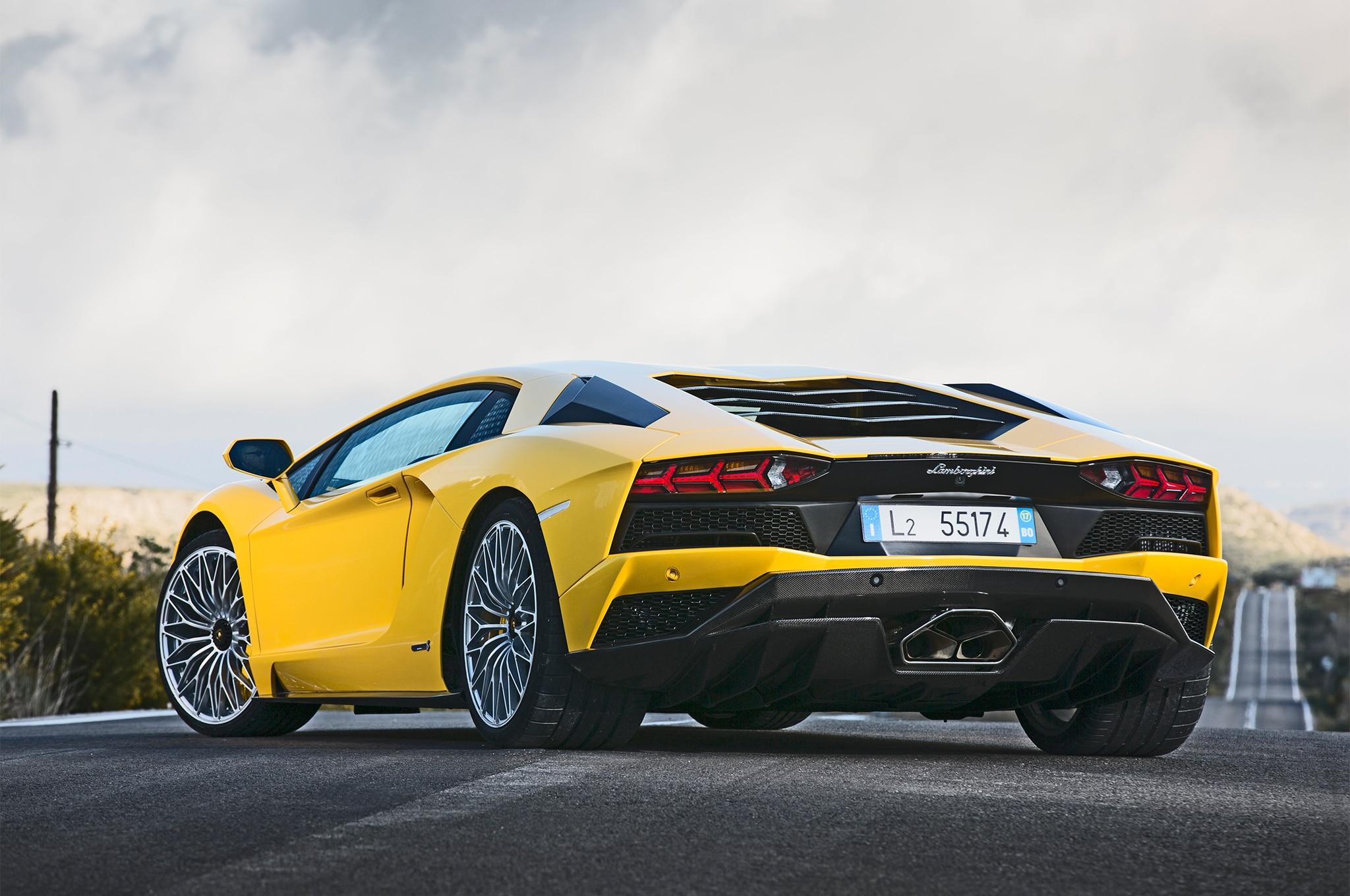 First Drive: 2017 Lamborghini Aventador S | Automobile ...